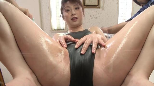 Horny Asian Girl Suck Big Cock